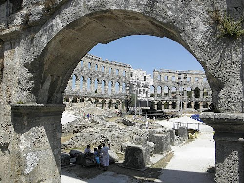 Photo of Pula in the TripHappy travel guide