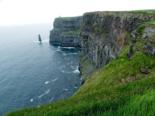 Featured medium photo of Cliffs of Moher on TripHappy's travel guide