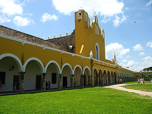 Featured medium photo of Izamal on TripHappy's travel guide