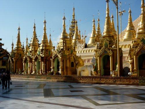 Featured medium photo of Shwedagon Pagoda on TripHappy's travel guide