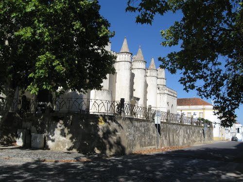 Featured medium photo of Évora on TripHappy's travel guide