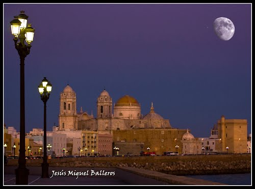Featured medium photo of Cádiz on TripHappy's travel guide