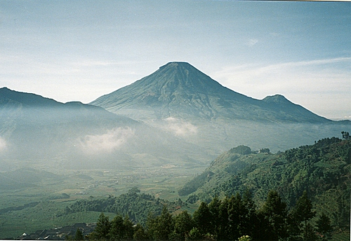 Photo of Wonosobo Regency in the TripHappy travel guide