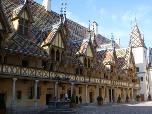 Photo of Beaune in the TripHappy travel guide