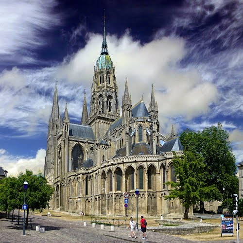 Photo of Bayeux in the TripHappy travel guide
