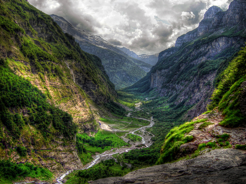 Featured medium photo of Val-d'Illiez on TripHappy's travel guide