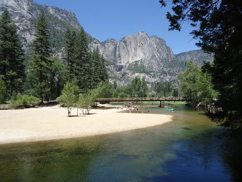 Featured medium photo of Yosemite Valley on TripHappy's travel guide