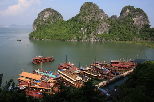 Photo of Hạ Long Bay in the TripHappy travel guide