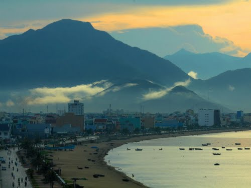 Featured medium photo of Da Nang on TripHappy's travel guide