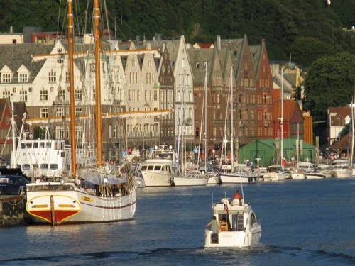 Featured medium photo of Bergen on TripHappy's travel guide