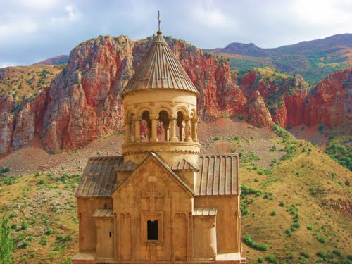 Featured medium photo of Noravank Monastery Road on TripHappy's travel guide