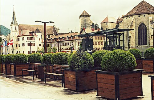 Featured medium photo of Annecy on TripHappy's travel guide