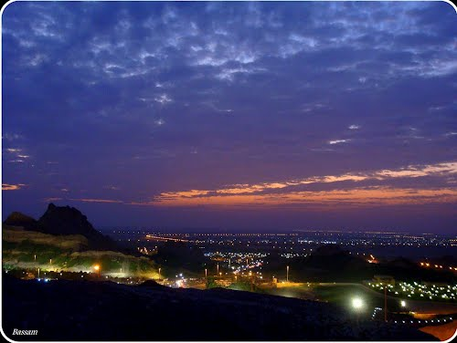 Featured medium photo of Al Ain on TripHappy's travel guide
