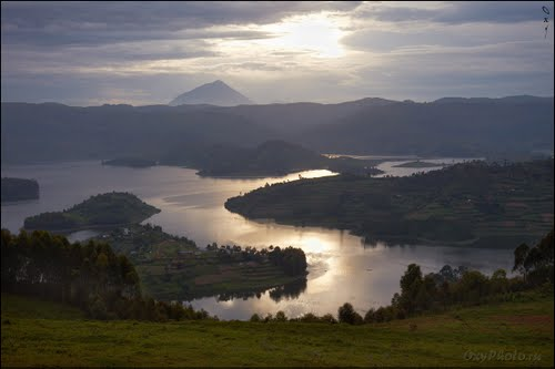 Photo of Lac Bunyonyi in the TripHappy travel guide