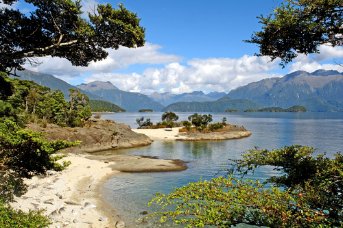 Photo of Manapouri in the TripHappy travel guide