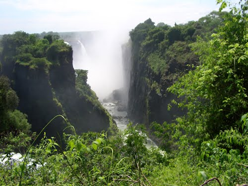 Featured medium photo of Victoria Falls on TripHappy's travel guide