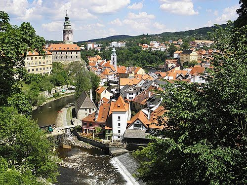 Featured medium photo of Český Krumlov on TripHappy's travel guide