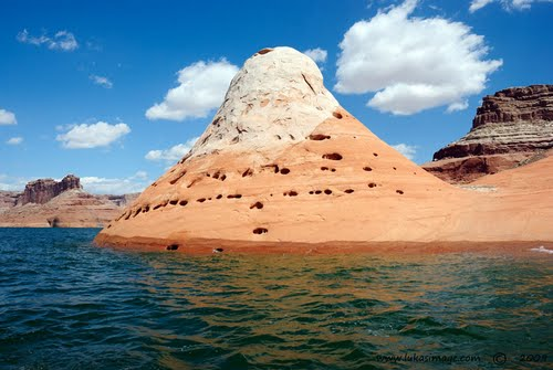 Photo of Lake Powell in the TripHappy travel guide