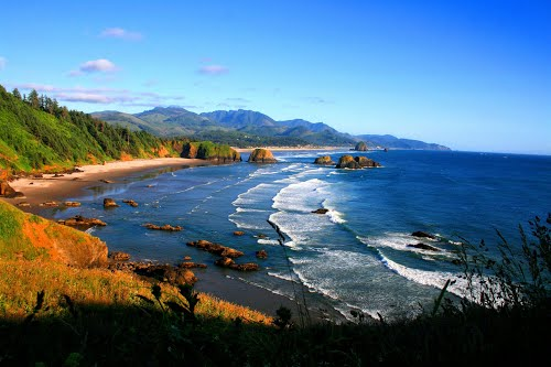 Photo of Cannon Beach in the TripHappy travel guide