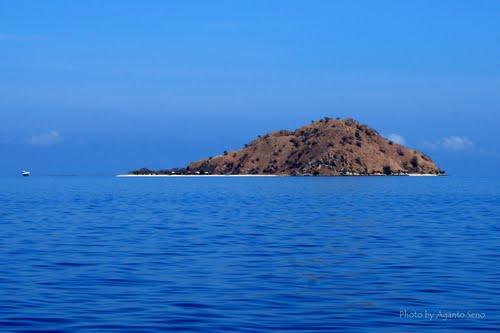 Featured medium photo of Kanawa Island Resort on TripHappy's travel guide