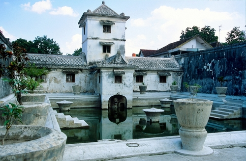 Photo of Pasar Beringharjo in the TripHappy travel guide