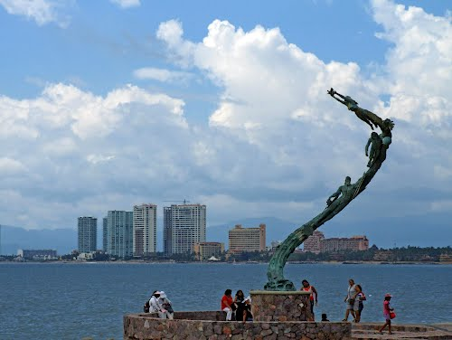 Featured medium photo of Puerto Vallarta on TripHappy's travel guide