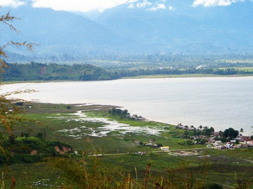 Photo of Lake Poso in the TripHappy travel guide