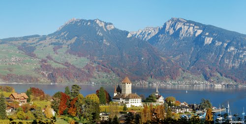 Photo of Lake Thun in the TripHappy travel guide