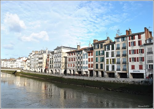 Photo of Bayonne in the TripHappy travel guide