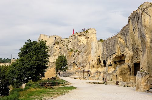Photo of Les Baux-de-Provence in the TripHappy travel guide