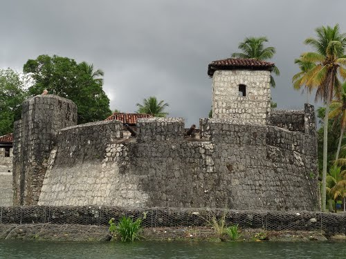 Featured medium photo of Castillo de San Felipe on TripHappy's travel guide