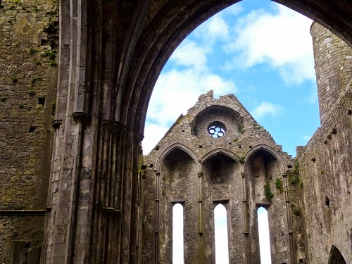 Featured medium photo of Rock of Cashel on TripHappy's travel guide
