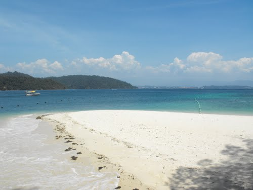 Featured medium photo of Manukan Island on TripHappy's travel guide