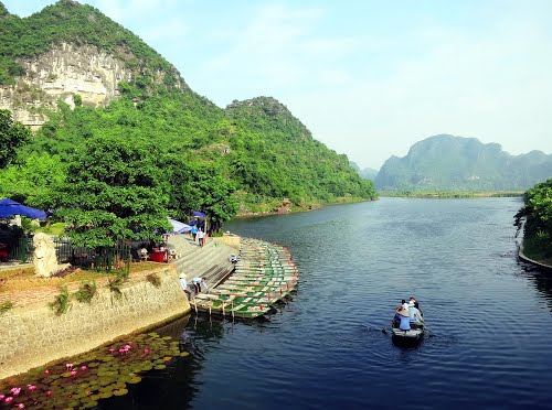Featured medium photo of Tam Coc Tours on TripHappy's travel guide