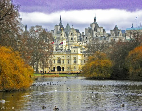 Featured medium photo of Parliament Square on TripHappy's travel guide