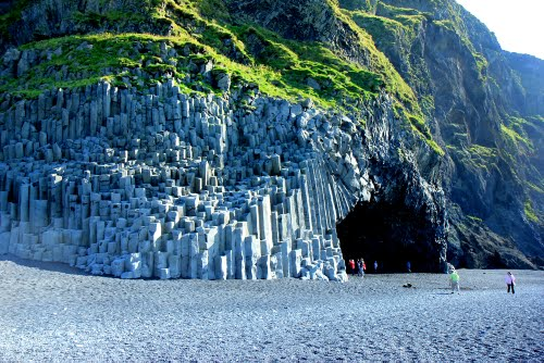 Featured medium photo of Reynisfjara on TripHappy's travel guide