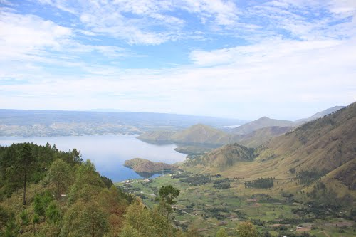 Photo of Lake Toba in the TripHappy travel guide
