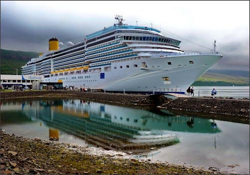 Featured medium photo of Akureyri on TripHappy's travel guide