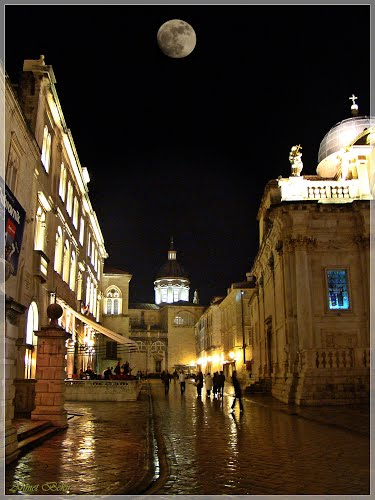 Photo of Dubrovnik in the TripHappy travel guide