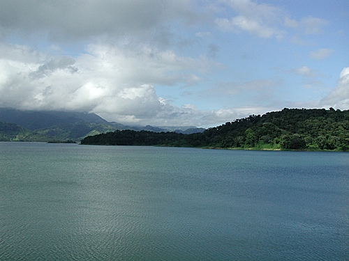 Photo of Lake Arenal in the TripHappy travel guide