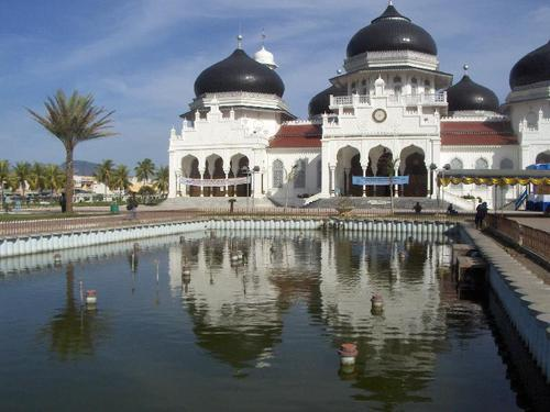Featured medium photo of Banda Aceh on TripHappy's travel guide