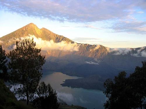 Featured medium photo of Tetebatu on TripHappy's travel guide