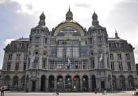 Photo of Centraal Station in the TripHappy travel guide
