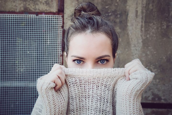 girl in second-hand jumper