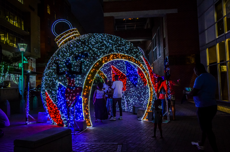 walk-through-dazzling-festive-christmas-lights-and-markets-melrose-arch-johannesburg