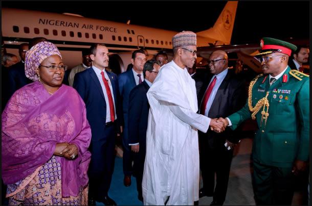 Buhari抵达土耳其18/10 2017年照片:Bayo Omoboriowo / Twitter