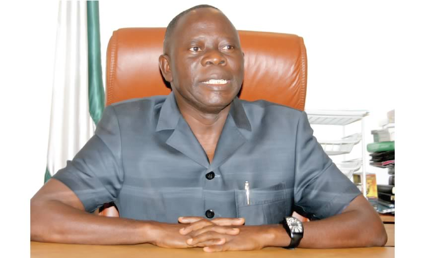 Adams Oshiomole spotted at the gym seriously keeping fit (video)