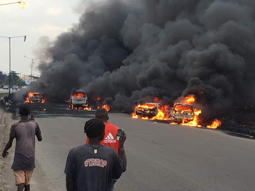 Breaking Fuel Tanker Cars On Fire On Otedola Bridge Videos