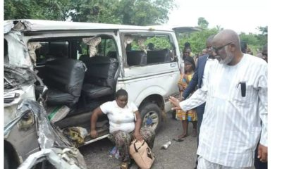 Gov Akeredolu helps accident victims in Owo-Ikare road