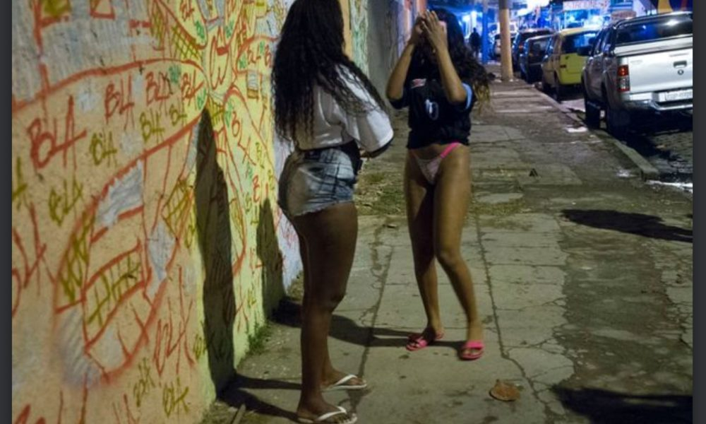 Do prostitutes use online dating sites
